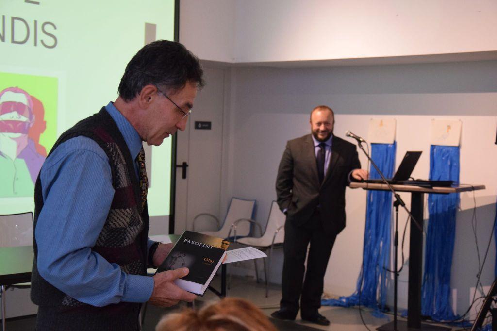 A fotó az Anni di piombo konferencián készült, háttérben a kötet fordítója - a szerző felvétele