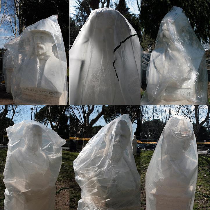 SzabóAttila: Wrapped statue I (2011)